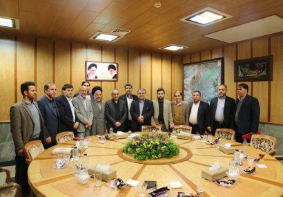 دیدار اعضای شورای اسلامی شهر قم با استاندار-بهمن۱۳۹۷