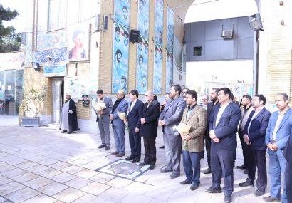 غبار روبی و گل افشانی مزار شهدا بمناسبت چهلمین سالگرد پیروز ی انقلاب اسلامی