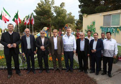 بازدید رئیس و اعضای شورای شهر از ستادهای نوروزی شهرداری