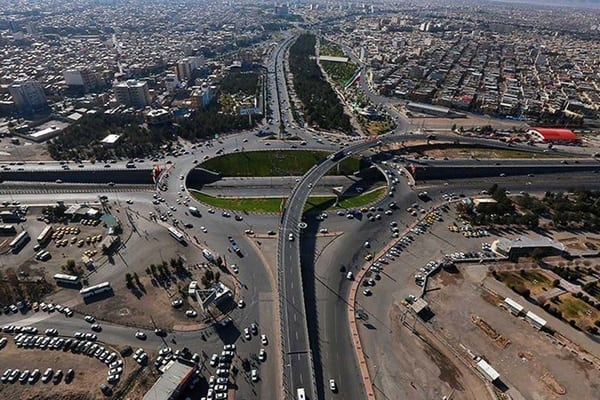ورودی قم از سمت آزاد راه تهران باید ساماندهی شود