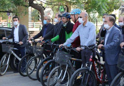 حضور اعضای شورای اسلامی شهر قم در پویش سهشنبههای بدون خودرو